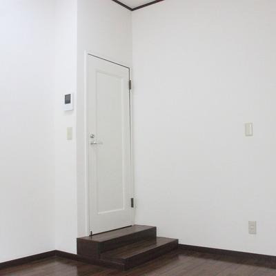 リビングは廊下より一段低くなってます