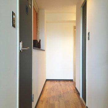 廊下も無垢です!