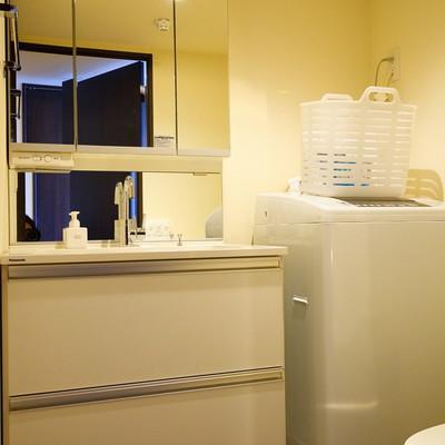 洗面台兼脱衣所になります。