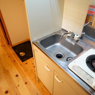 キッチンもシンプルです。