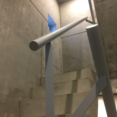 共用部階段。インダストリアル。