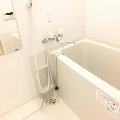 お風呂は普通。※写真は別部屋です