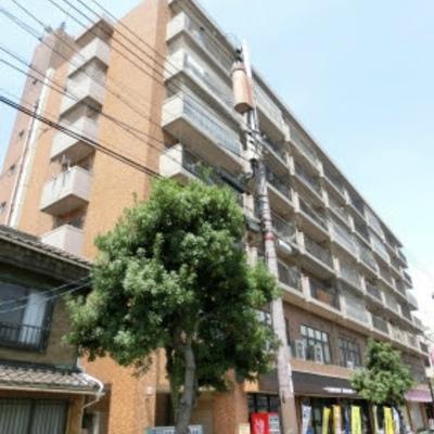1階にはTUTAYAやカラオケ屋さん