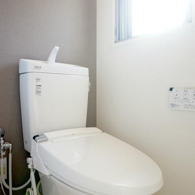 トイレに小窓はポイント高し!
