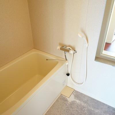 お風呂も個室です。
