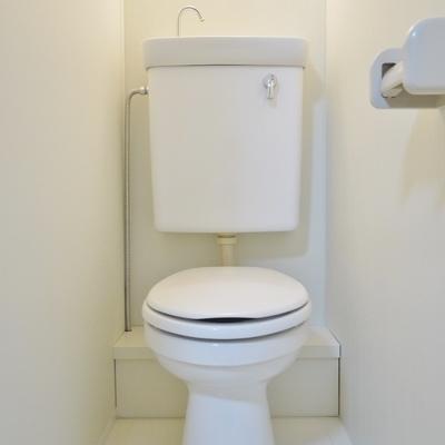 ホワイティなトイレです♪
