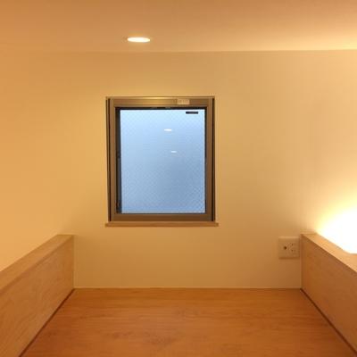 小窓もついています