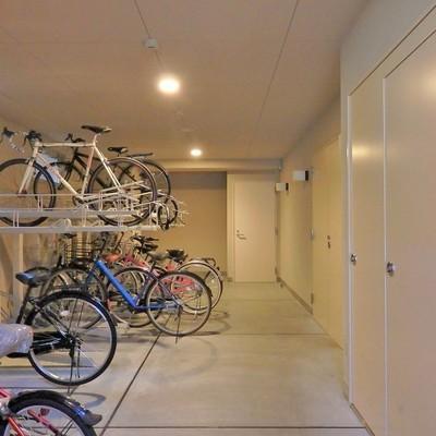 お気に入りの自転車もオートロック内に置けば安心!