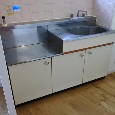 キッチンは置き式コンロです。