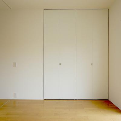 6帖寝室:収納スペースあり