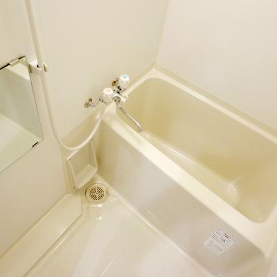 浴室はシンプルです