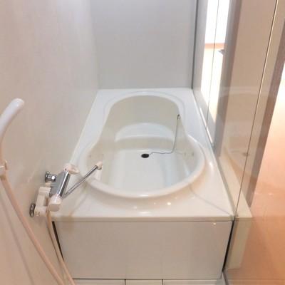 浴槽、意外とゆったりできそうじゃない?