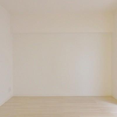 洋室はシンプルに。