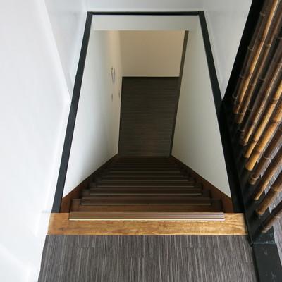 この階段を上がれば