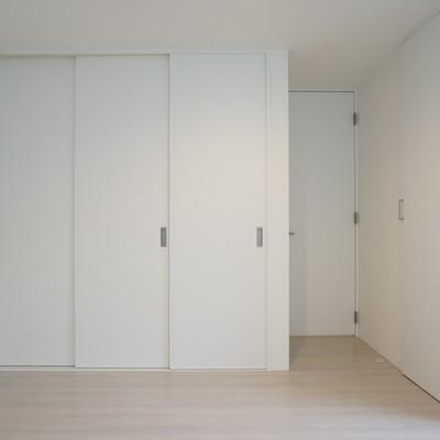 ベッドルームの大型収納