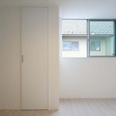 ベッドルームの収納スペースは2箇所あり!