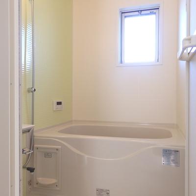 窓つきの浴室は嬉しい♪