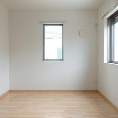 5.3帖の洋室。