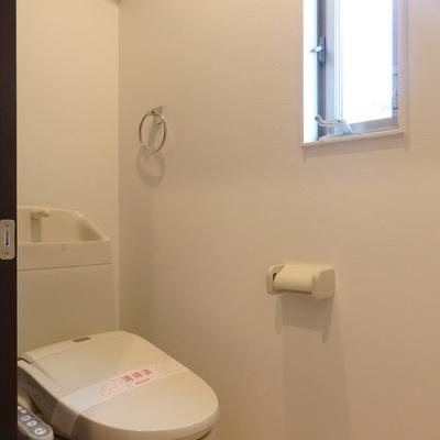 トイレにも窓つきは嬉しい!