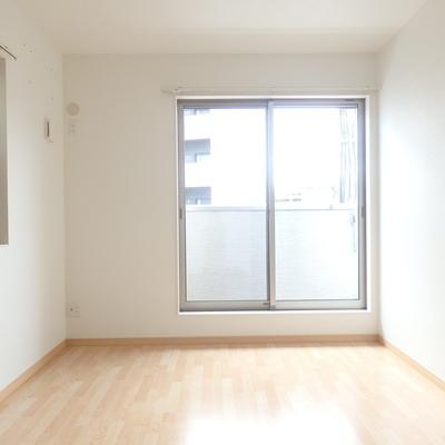 2階の南の洋室です。