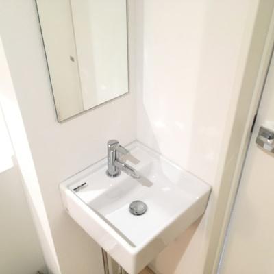 ちょっこんと洗面台!