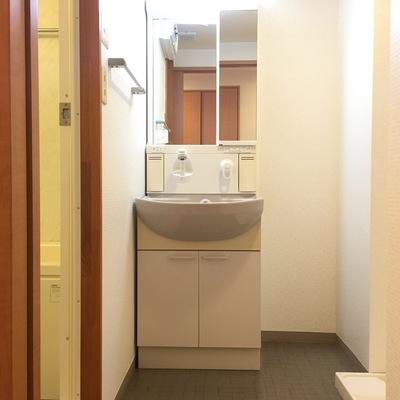 洗濯機置場がありますよ!