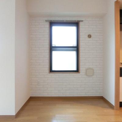 小窓もおお洒落に感じます。