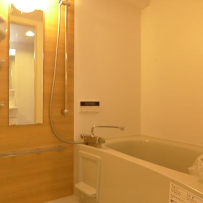 お風呂の内装も美意識を感じますね!