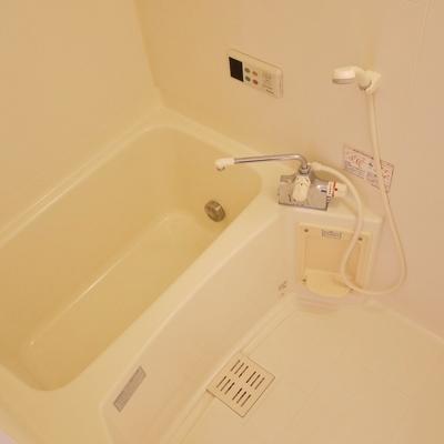 追い炊き機能も浴室乾燥もついてます。