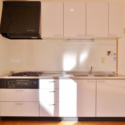 収納スペースの多い、使い易いキッチン。