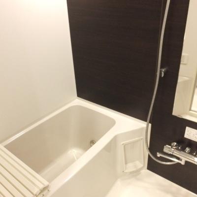 雨の日もお風呂で洗濯物干せますよ!