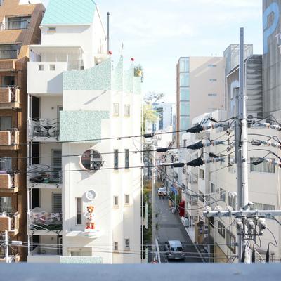 東側:さすがに都会の眺望ですね