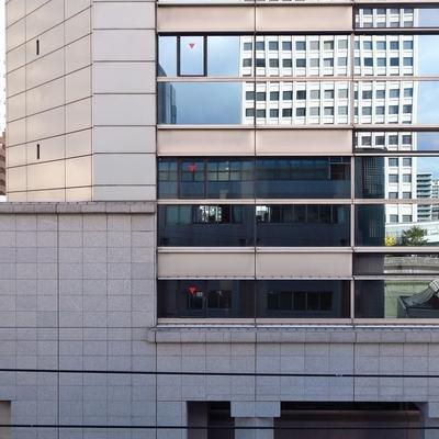 南側は土佐堀のオフィス街に。
