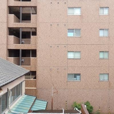 眺望はマンション。