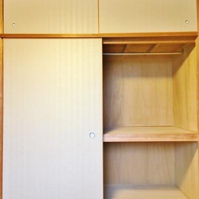 収納は3つ。一つは和室に。