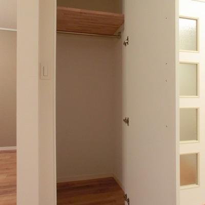 寝室の収納※写真は別部屋