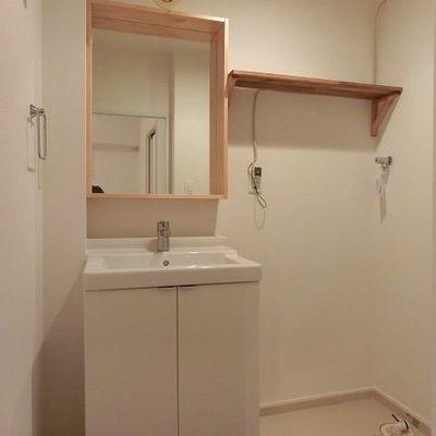 独立した洗面、使いやすさ重視です※写真は別部屋