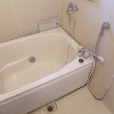 お風呂はこのままでも綺麗ですね。※写真は工事前です