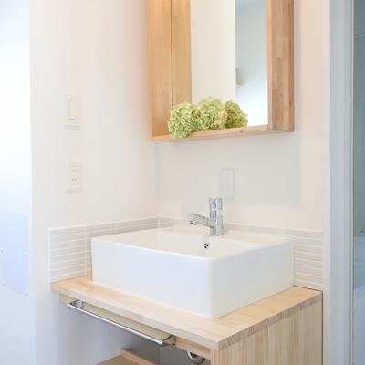 洗面が、可愛い!!!この洗面をみて、完全にお部屋に恋におちました。