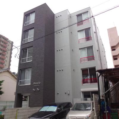 15年築の新しい建物