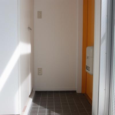 玄関。シューズボックスあります。