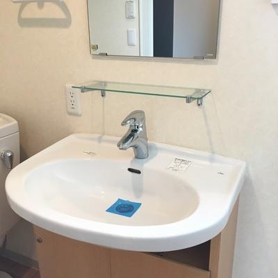 シンプルな洗面台。キレイ!
