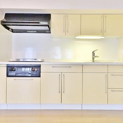 キッチンは設備も収納もgood!