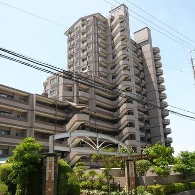 15階建てのマンションです。
