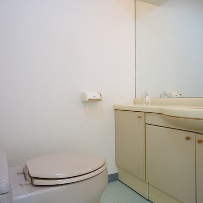 トイレと洗面台は併設です。