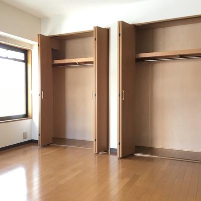 8.2帖お部屋の収納は大容量!ここは寝室向きかな。