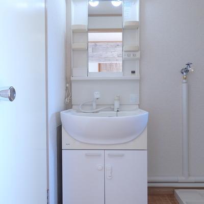 独立洗面台もあります!