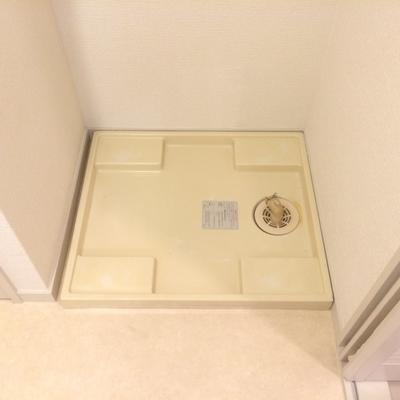 洗濯機置場は洗面台横です