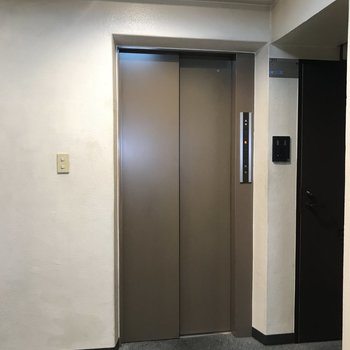 3階まではエレベーターで上がれます。