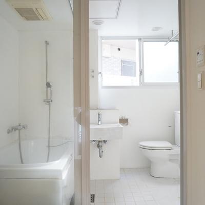 ロフトにある水回りはセクシー ※写真は同間取り別部屋のものです。